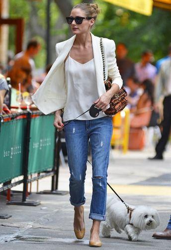 Olivia Palermo distressed jeans and white blazer