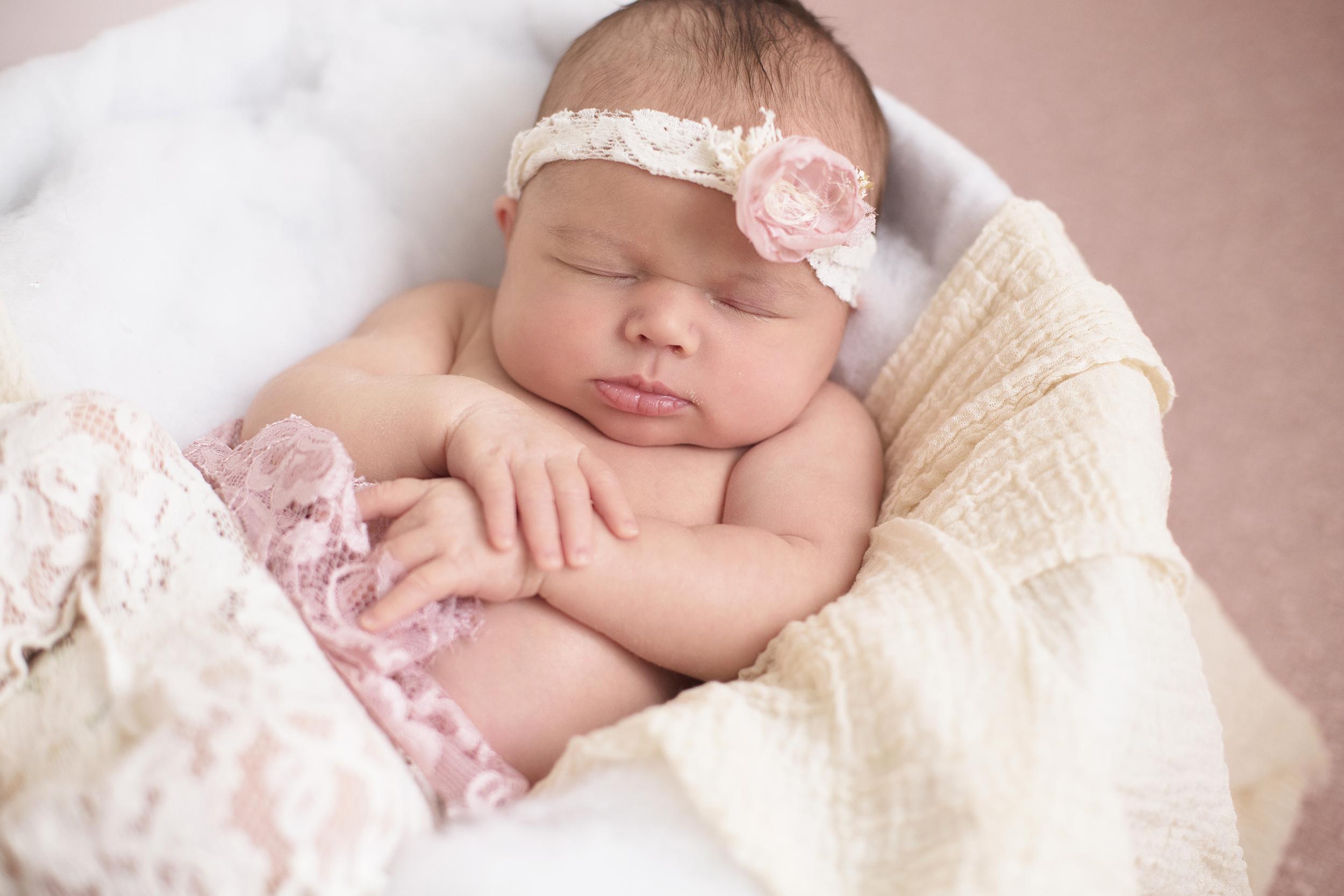 Newborn Farida Alvi Abigail_22
